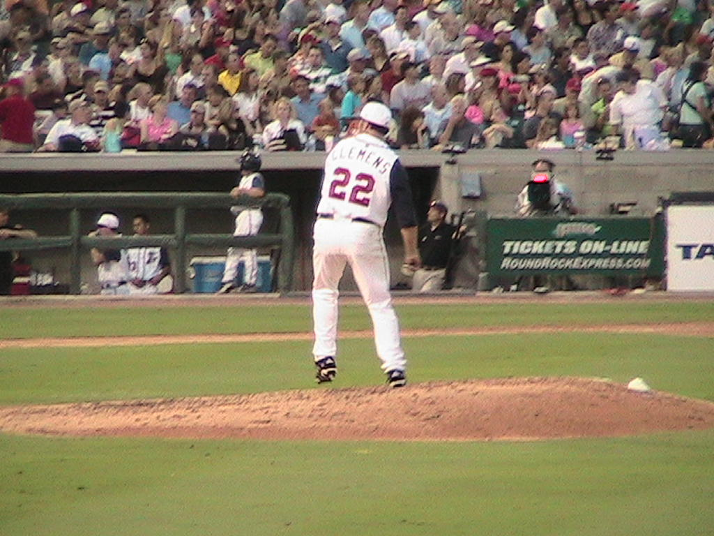Roger Clemens winding up for the Round Rock Express